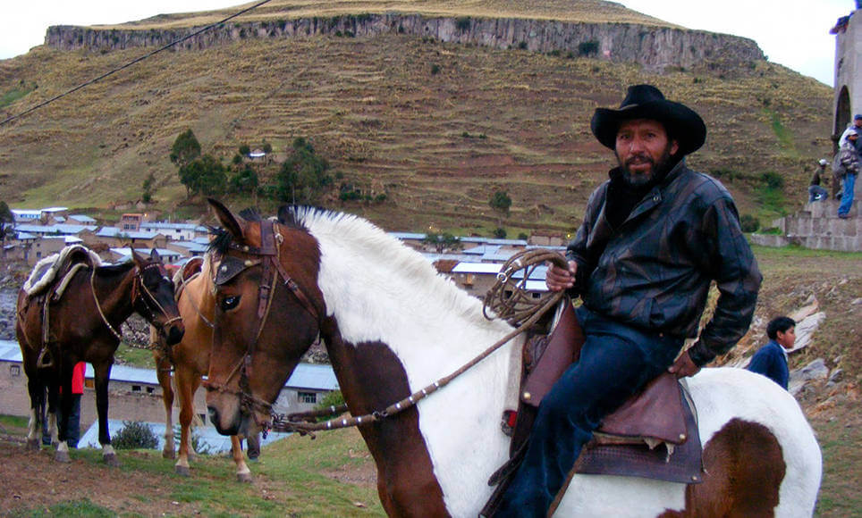 Cusco Horseback riding